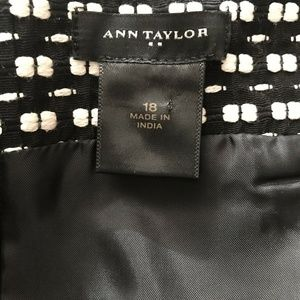 Ann Taylor Skirts - Ann Taylor Pencil Skirt Black and White Lined